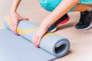 how to remove rubber smell from the yoga mats